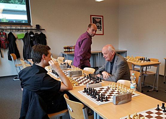 22. Juni 2018 - Smalltalk vor der Siegerehrung: Mirco Wendriner, Fritz Fegebank und Andreas Ferch - Foto © Wofgang Wilke
