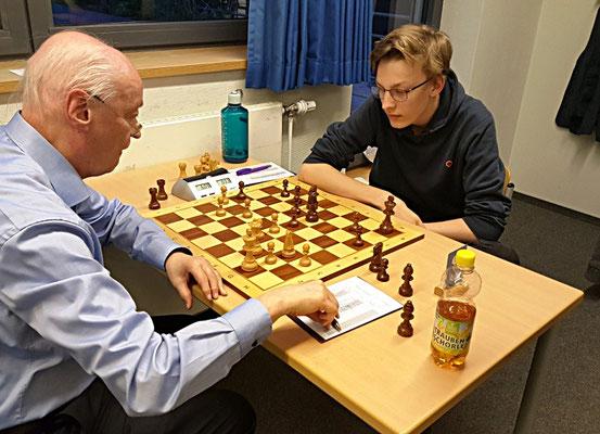 18. Mai 2018 - 6. Runde: Fritz Fegebank gegen Knut Ahlers - Foto © Wofgang Wilke