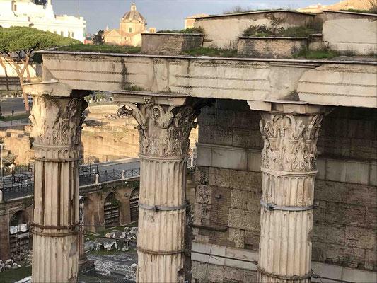Kapitelle des Mars-Ultor-Tempels auf dem römischen Augustusforums