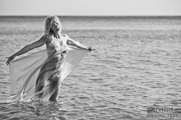 sie wollte unbedingt ein Bad im Meer nehmen 3
