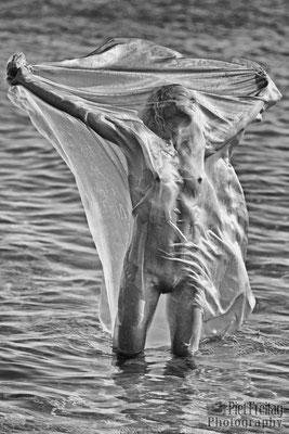 sie wollte unbedingt ein Bad im Meer nehmen 4
