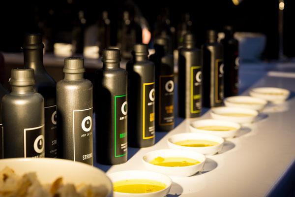 Öl in verschiedenen interessanten Geschmacksrichtungen