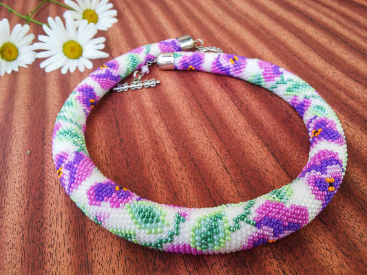 Sale Stylish Floral Necklace White purple Pansy Beadwork Bead Crochet Office Necklace Gift for women Everydy Simple Casual necklace