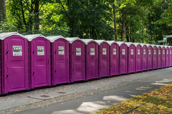 Toilettenhäuschen in Rosa