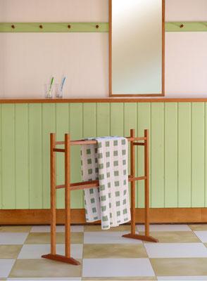 Shaker towelrack - bei uns aus Kirschbaum oder red cedar