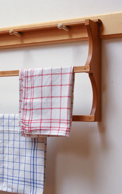 Shaker towelrack