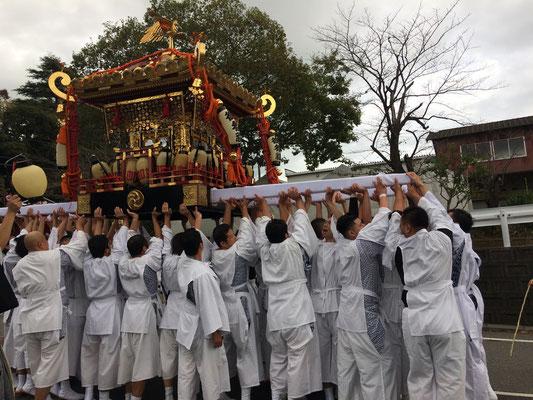 佐倉の秋祭り 宮出しの様子