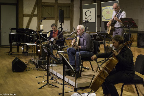 Abendkonzert Yves Le Mao (Banjo), Peter Grunwald (Bass) und Magdalena Engel (Cello)