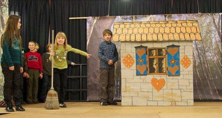 Probenfoto mit Hänsel, Gretel und Hexe