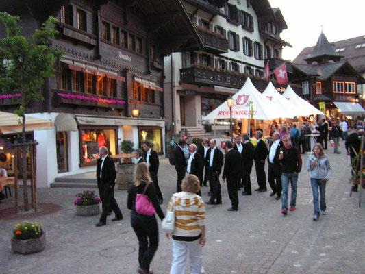 Spaziergang durch Promenade von Gstaad