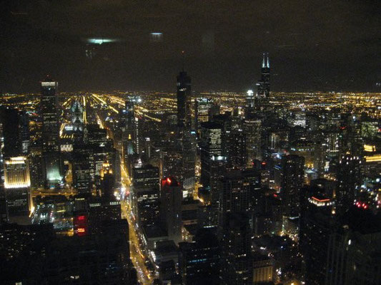 mit toller Aussicht auf Chicago by night