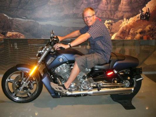 1. Tenor Manfred on Bike