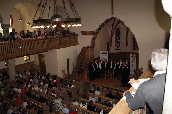 Auftritt mit dem Lied by üüs obe von Fred Kaufmann