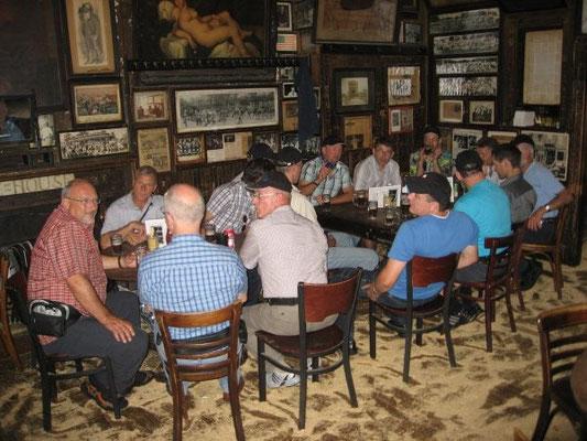 Besuch der ältesten Bar in New York