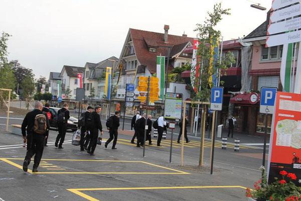 Ankunft im Jodlerdorf