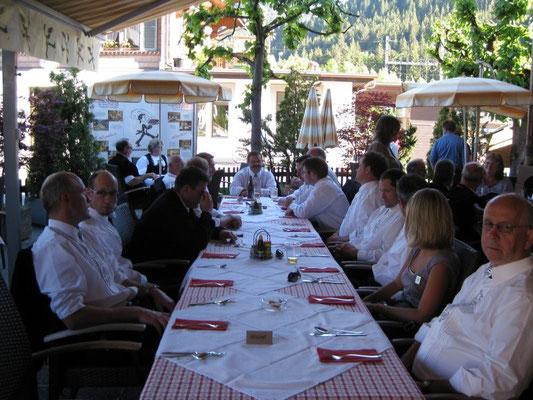 Gemütliches Nachtessen im Hotel Saanenhof