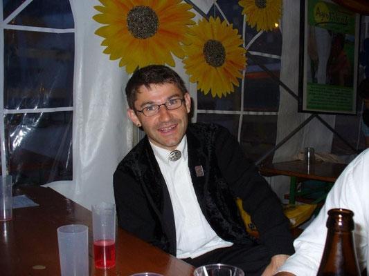 Dirigent Christian Manser in festlicher und nächtlicher Stimmung