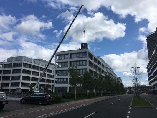 Ericsson, Düsseldorf | Leuchtwürfel aus 4 Spanntuch-Leuchtkästen