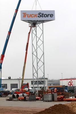 Werbeturm für TruckStore (Mercedes Benz) in Stuhr in Zusammenarbeit mit der Fa. RRR Stahlbau GmbH