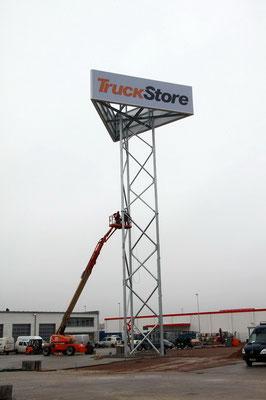 TruckStore, Stuhr | Spanntuchleuchtkasten 12,2 x 3,5 m mit LED Ausleuchtung