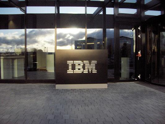 Pylon für IBM