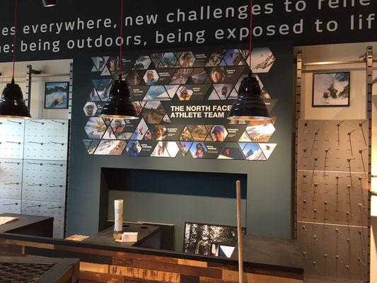The North Face, Metzingen | Beschriftung der Wände mit Digitaldrucken auf Aluminiumverbundschildern