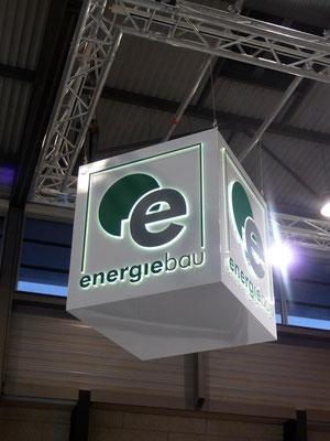 Energiebau, Messe-Würfel dekupiert/durchgesteckt