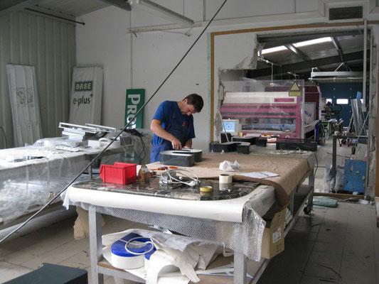 Aus der Produktion: Endmontage - hier werden LED eingesetzt