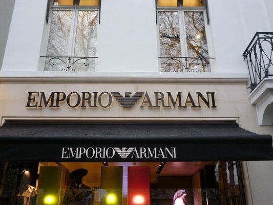 Beispiel - Rückleuchter (Vollacrylglas-LED-Buchstaben) - Emporio Armani