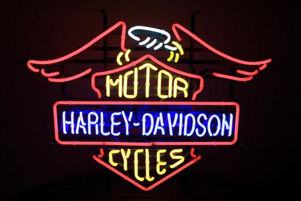 Harley Davidson - NeonSign auf Gitterrahmen in schwarz