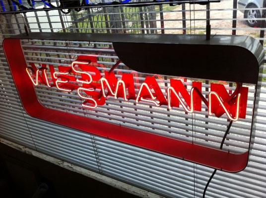 Viessmann - NeonSign in Acrylglasbox