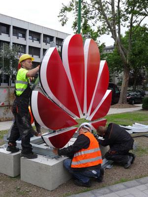 Einzelbuchstaben im Profil 8 - hier als Front-/Seitenleuchter (Huawei, Düsseldorf)