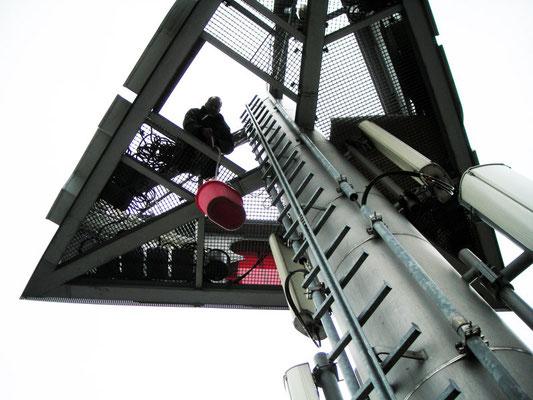 ABB, Ratingen | Austausch der alten Neonröhren gegen neue, energiesparende LED