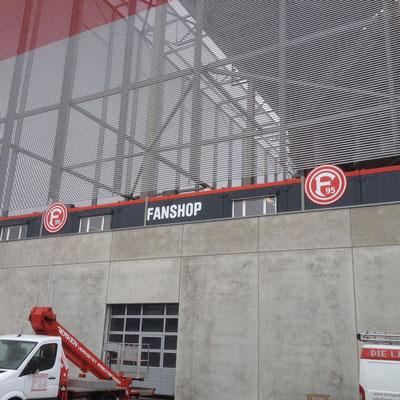 F95 Fortuna Düsseldorf FanShop Esprit Arena | unbeleuchtete Logos und Buchstaben aus Aluminiumverbund
