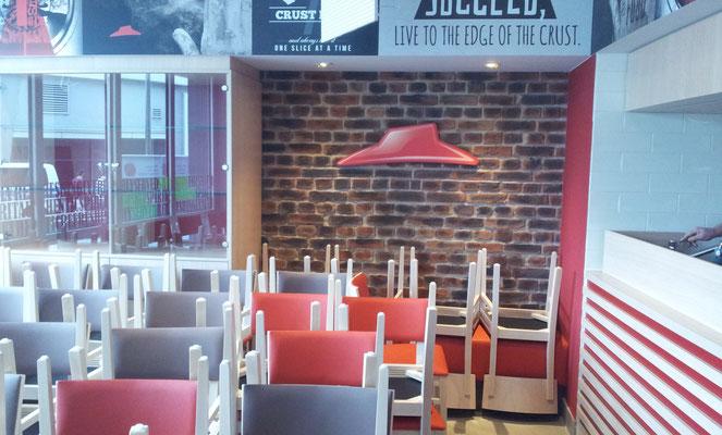 Pizza Hut, Dresden | Innenbeschriftung - Dekoration