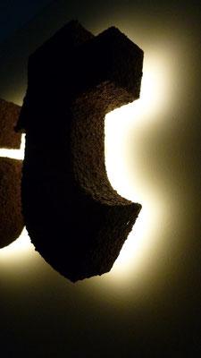 Beispiel - Rückleuchter (Vollacrylglas-LED-Buchstaben) mit Rostpatina