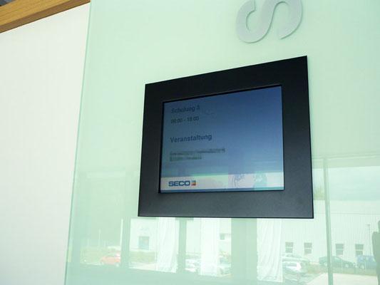 SECO TOOLS, Erkrath | DISIPOS Door-Screen (Kundenname wurde aus Datenschutzgründen unkenntlich gemacht!)