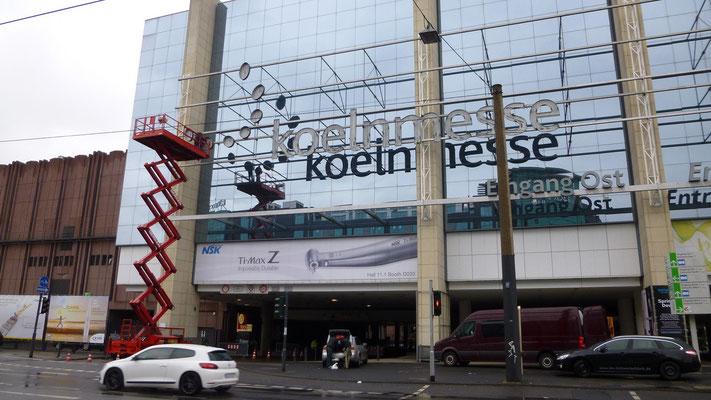koelnmesse, Köln | Werbeanlage generalüberholt sowie mit Hochleistungs-LED-Technik ausgerüstet