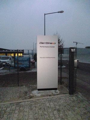 GetSpeed, Nürburgring | unbeleuchteter Pylon