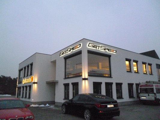GetSpeed, Nürburgring | Lichtwerbeanlagen als Einzelbuchstabenschriftzug im Profil 3