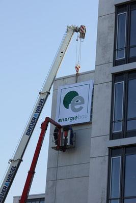 Spanntuchleuchtkasten mit LED Ausleuchtung - nur das Logo leuchtet - Energiebau, Köln