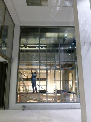 Emporio Armani, Düsseldorf | Baubeschriftung sowie Schaufensterbeschriftung