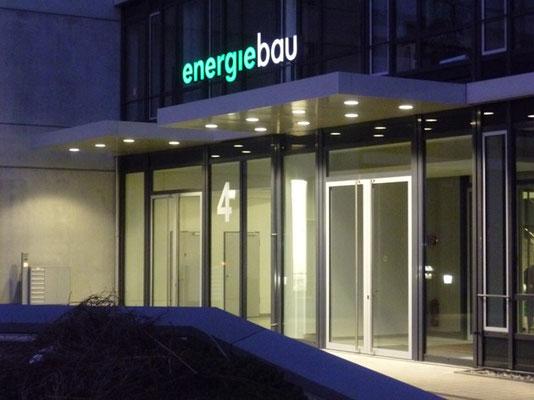 Energiebau, Köln | Einzelbuchstabenschriftzug im Profil 5 mit LED-Ausleuchtung
