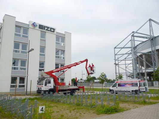 EIZO, Mönchengladbach | Neue Außenwerbung der Europa-Zentrale