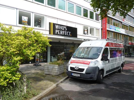 Who's perfect, Düsseldorf | Vollacrylglas-LED-Buchstaben (Frontleuchter) auf Aluminiumblenden