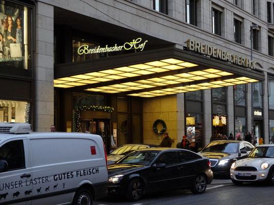 Breidenbacher Hof, Düsseldorf | Vollacrylglas-LED-Front-/Seitenleuchter