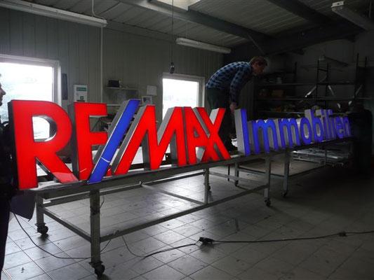 """Aus der Produktion: Beleuchtungstest für """"REMAX Immobilien"""""""