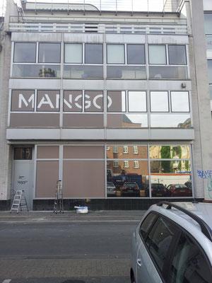 MANGO Store, Köln | Beschriftung mit Hochleistungsfolie und Sonnenschutzfolie