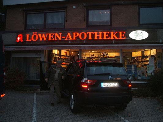 Löwen-Apotheke, Niederkassel | Einzelbuchstaben im Profil 5s