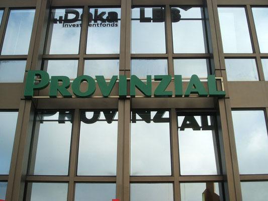 Sparkasse & Provinzial, Langenfeld | Einzelbuchstaben im Profil 8 mit LED-Ausleuchtung
